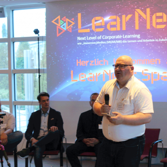 http://www.learnext.space/wp-content/uploads/2018/06/diskussionsrunde-540x540.png